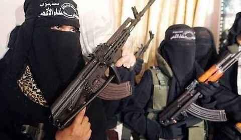 """L'Isis ora minaccia anche Facebook e Twitter: """"Crivelleremo di colpi Dorsey e Zuckerberg"""""""