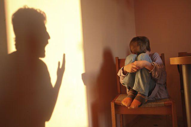 maltrattamenti-bambino