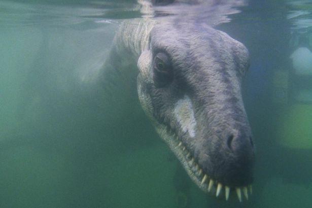 Mostro di Loch Ness 02